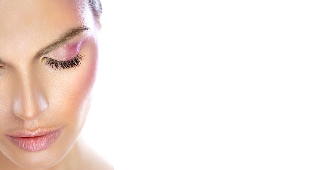 Wimpern und Augenbrauenpflege
